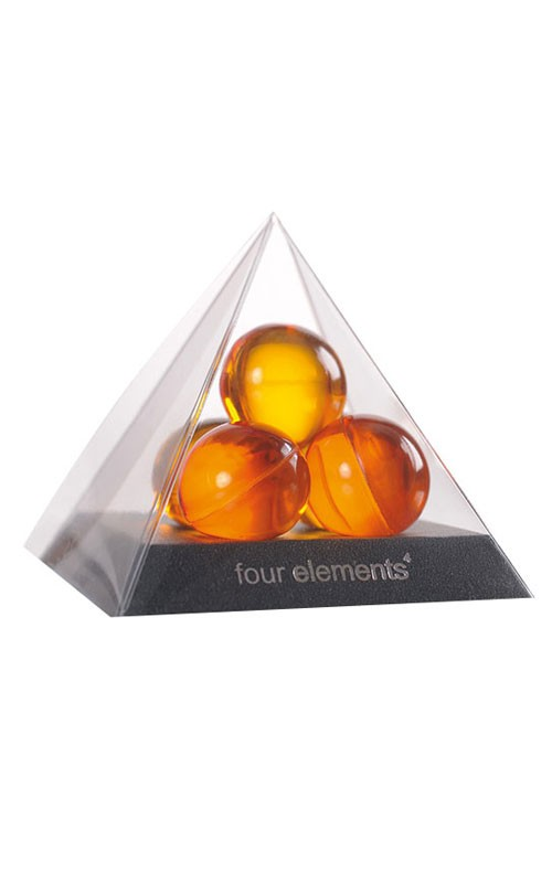 Four elements pyramide with bath balls