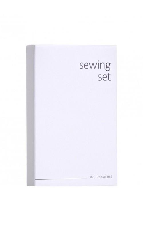 Weisse Kartonage Nähset/Sewing Kit